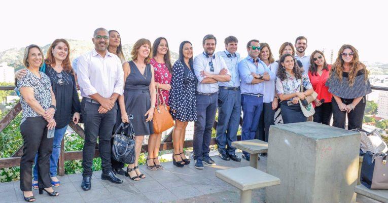 Ciudad de Vitória recibe delegación española para inaugurar cooperación internacional