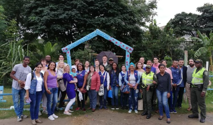 A delegation from Belfast visited Colombia on the anniversary of the Northern Ireland peace agreements