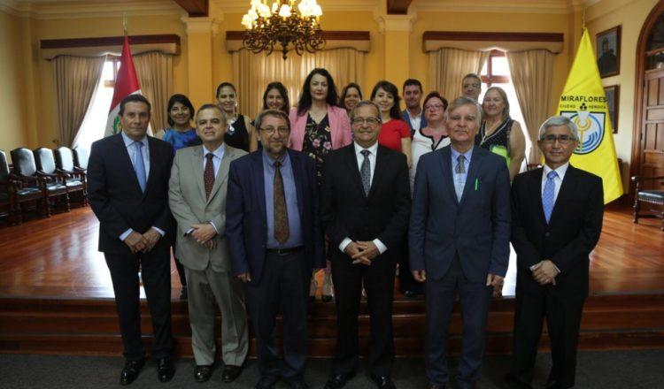 Una delegación de Larissa visitó Miraflores para analizar cómo mejorar el distrito