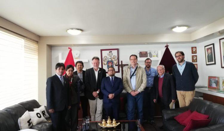 España y Perú buscan implementar un sistema de movilidad urbana sostenible en Arequipa e impulsar la revitalización del centro histórico