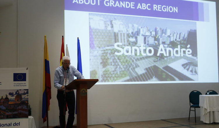 The municipalities of Río Grande, São Leopoldo and Cali and the ABC Intermunicipal Consortium lead the regional climate finance workshop with the presentation of their success stories